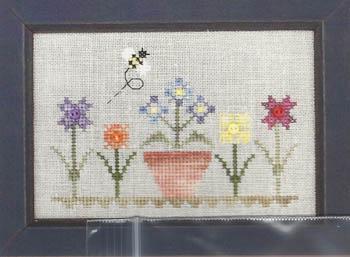 Annalee Waite Designs - Flower & Bee w/buttons