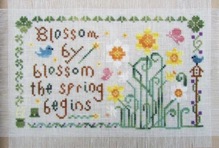 Cottage Garden Samplings - My Garden Journal - Part 03 of 12 - March's Daffodil - Cross Stitch Pattern