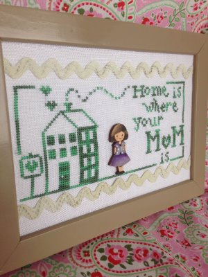 Romy's Creations - Home is Mom - Button & Thread Pack