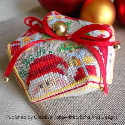 Barbara Ana Designs - Christmas Biscornu