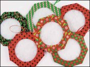 "Yarn Tree - Christmas Tucks - 3"""