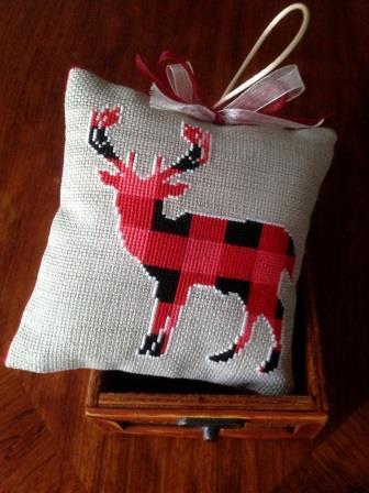 Twin Peak Primitives - Rustic Christmas Series - Reindeer Joy-Twin Peak Primitives - Rustic Christmas Series - Reindeer Joy, Christmas ornament,