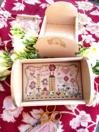 Shepherd's Bush - Busy Bees Tray Kit-Shepherds Bush - Busy Bees Tray Kit , bees, wooden tray, cross stitch