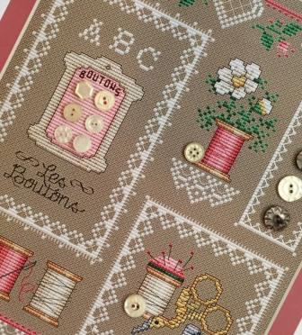 Sue Hillis Designs - Buttons & Lace