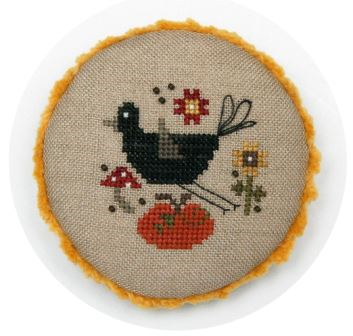 Heart in Hand Needleart - Pocket Round Crow-Heart in Hand Needleart - Pocket Round Crow, fall, pumpkin, autumn, ornaments,