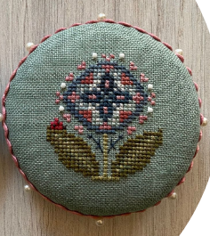Heart in Hand Needleart - Pocket Round Flower-Heart in Hand Needleart - Pocket Round Flower
