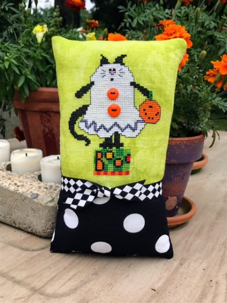 Amy Bruecken Designs - Halloween Scaredy Cat - Boo Kitty-Amy Bruecken Designs - Halloween Scaredy Cat - Boo Kitty, halloween, cats, trick or treat. cross stitch