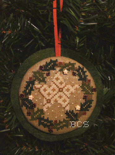 Bent Creek - Holiday Hang-Ups - A Starry Wreath Ornament Kit-Bent Creek - Holiday Hang-Ups - A Starry Wreath, Christmas, decorating, cross stitch kit