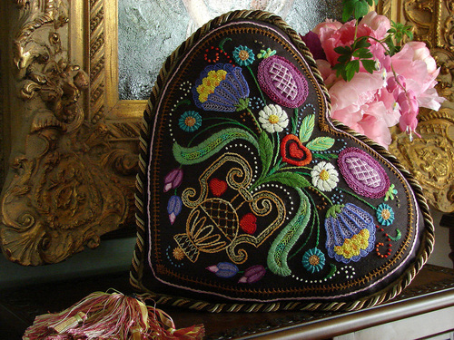 The Tapis-Tree - Chocolate Heart Kit-The Tapis-Tree, Chocolate Heart Kit, pillow, embroidery, candy,