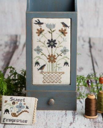 Lone Elm Lane - Sweet Fragrance with Needlebook Set-Lone Elm Lane - Sweet Fragrance with Needlebook Set, cross stitch, harvest hop