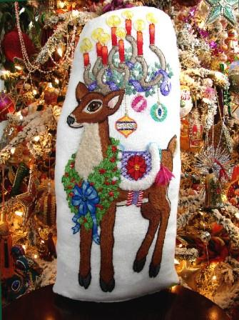 The Tapis-Tree - Regal Randolph Kit-The Tapis-Tree - Regal Randolph, Christmas, reindeer, Santa Claus, embroidery, crewel, cross stitch