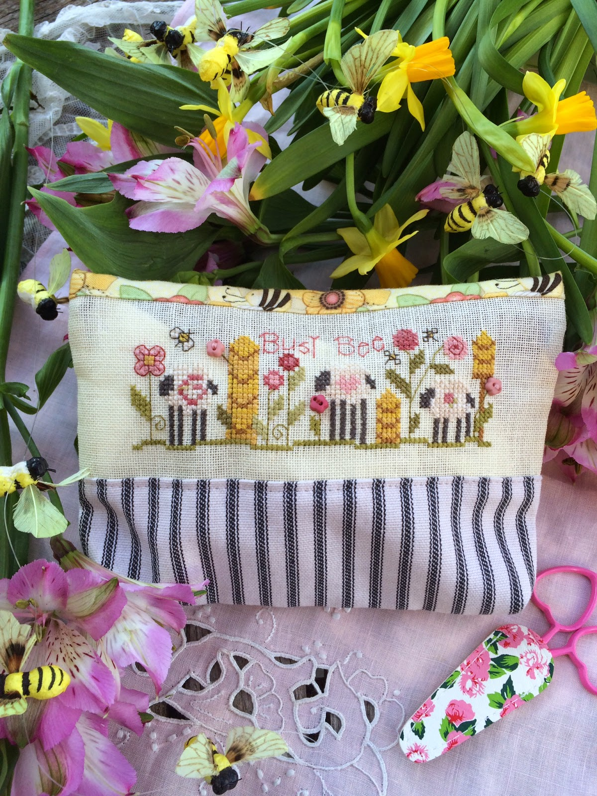 Shepherd's Bush - Busy Bee Bag - Cross Stitch Kit-Shepherds Bush, Busy Bee Bag, sheep, spring, stitching bag, Cross Stitch Kit