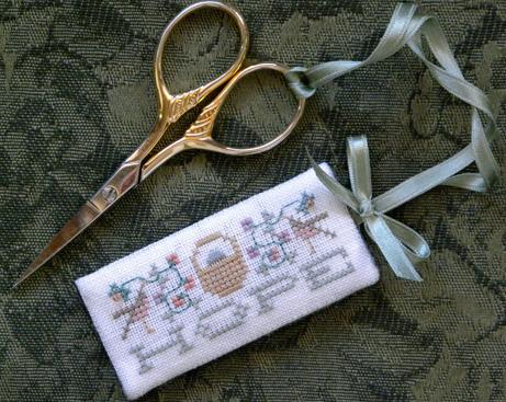 The Drawn Thread - Scissors Tag - Hope - Cross Stitch Pattern-The Drawn Thread - Scissors Tag - Hope - Cross Stitch Pattern
