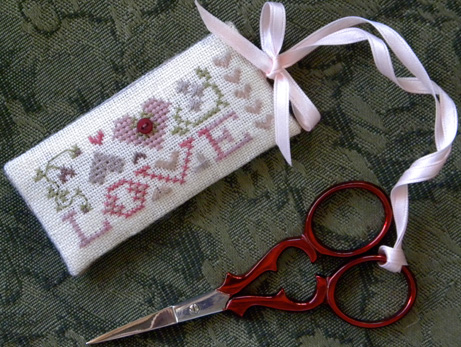 The Drawn Thread - Scissors Tag - Love - Cross Stitch Pattern